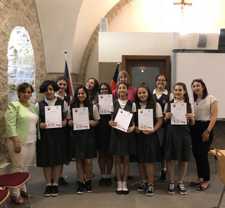 7amleh runs a Course on digital security and online gender-based violence in Schmitt School in Jerusalem